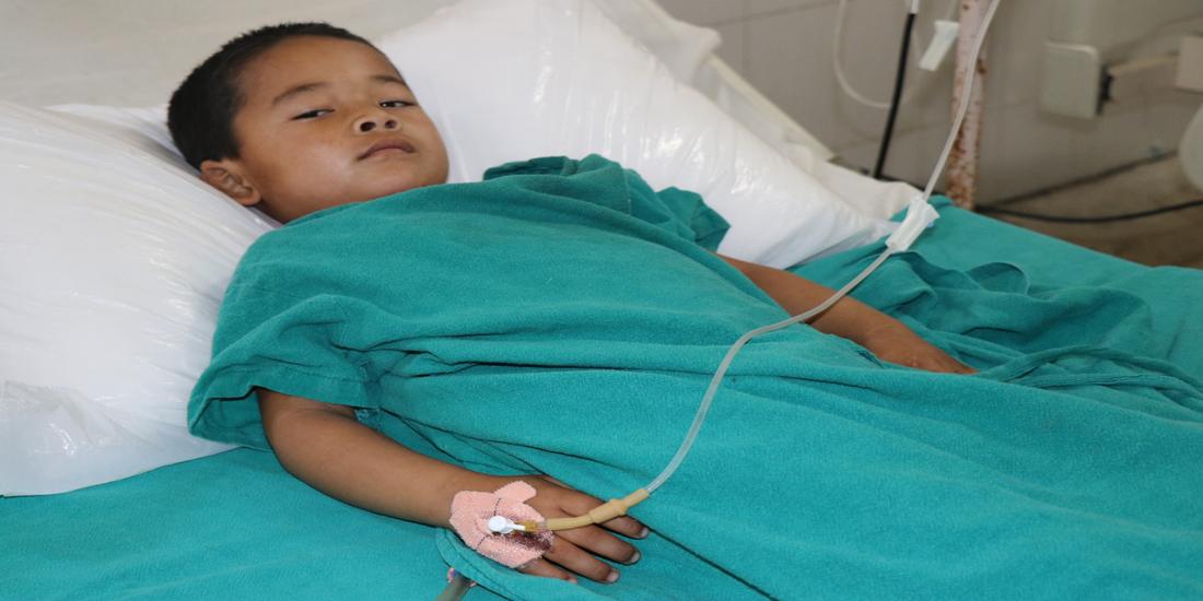 डा.सुनिल शर्माले बचाए ५ बर्षीय बालकको ज्यान